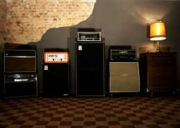 Different tube guitar amps and cabinets waiting to get crancked
